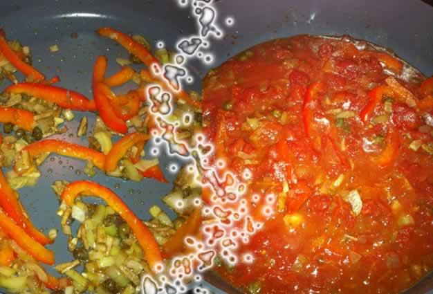tomaten ansjovissaus